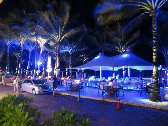 Twinpalms Phuket: bar plage