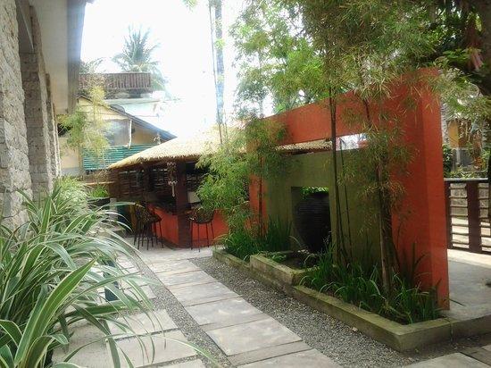 Bale Mi Hotel :                                     vue depuis la terrasse de la chambre