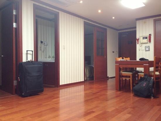 M Chereville Serviced Apartment:                   habitación grande