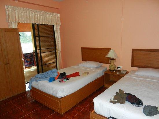 Mae Salong Flower Hills :                   bedroom