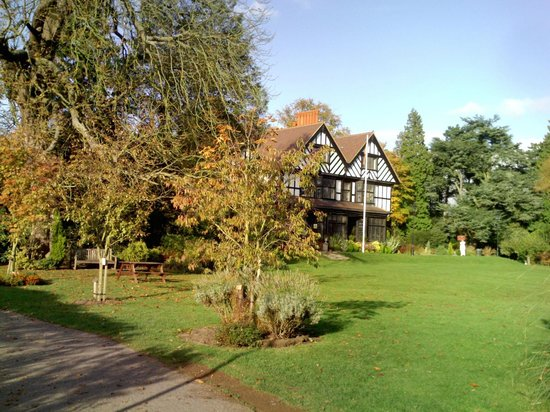 Bhaktivedanta Manor :                   temple and grounds