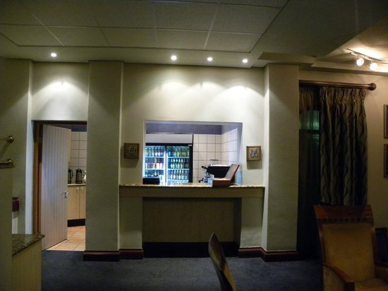 Protea Hotel by Marriott Walvis Bay Pelican Bay: Le bar