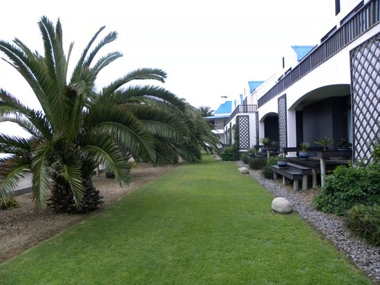 Protea Hotel by Marriott Walvis Bay Pelican Bay: L'arrière de l'hôtel
