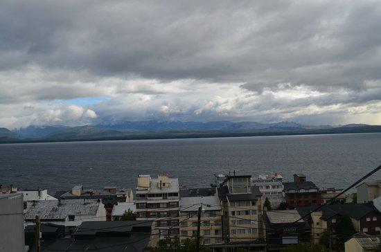 Hostel Inn Bariloche:                   Vista da varandinha