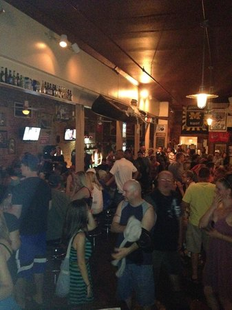 Black River Tavern: Interior bar side