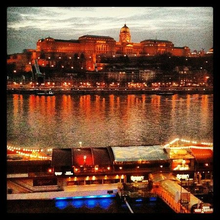 InterContinental Budapest: View on the Danube from hotel room