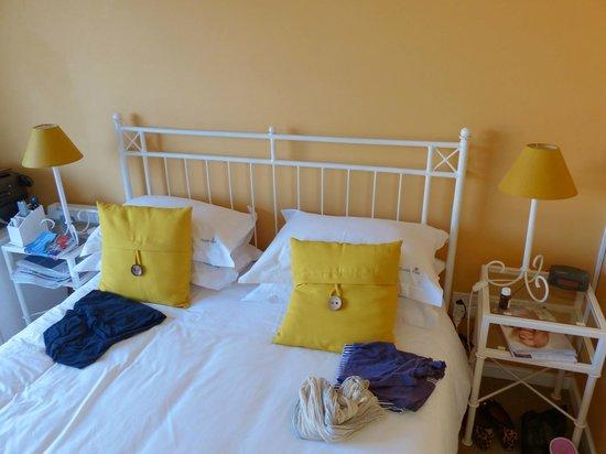 Thanda Vista Bed and Breakfast:                   Tulip Room