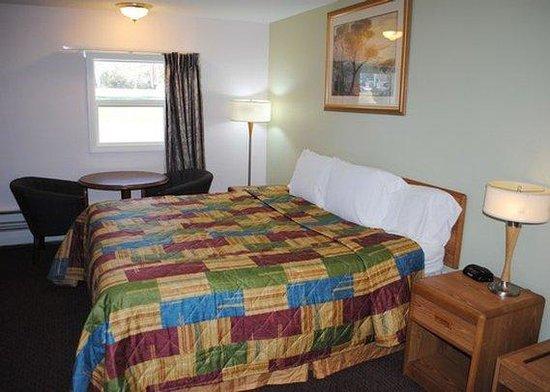 Rodeway Inn Bellows Falls: King Room