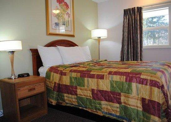 Rodeway Inn Bellows Falls: Queen Room