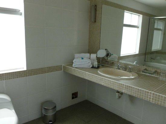 MSA Lima Design Hotel:                   Baño con cambio diario de toallas