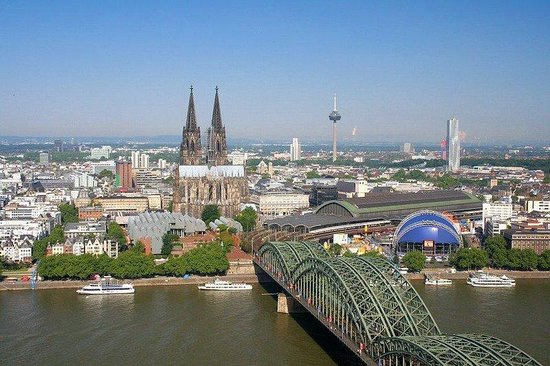 FairCruise Deluxe Hotelship Cologne : Exterior