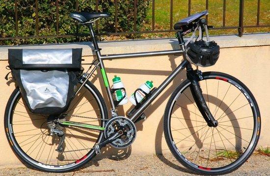 Luberon Biking  Tours :                                     Our Touring Bike