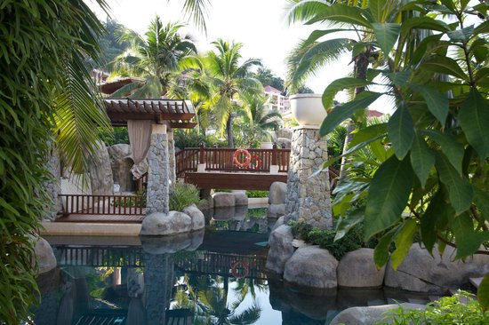 Centara Grand Beach Resort Phuket:                                     Lazy river