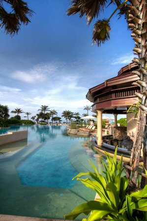 Centara Grand Beach Resort Phuket:                                     Main pool and bar