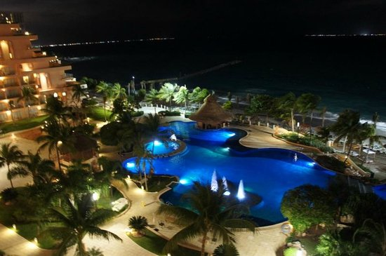 Grand Fiesta Americana Coral Beach Cancun:                   Vista noturna do Quarto