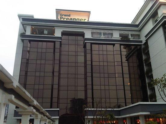 Prama Grand Preanger:                   the hotel