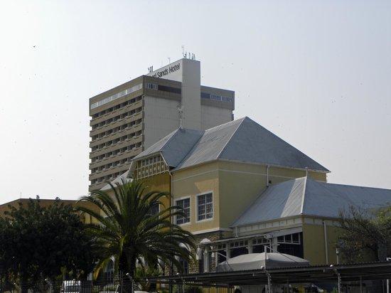 AVANI Windhoek Hotel & Casino: Hôtel Kalahari Sands Windhoek