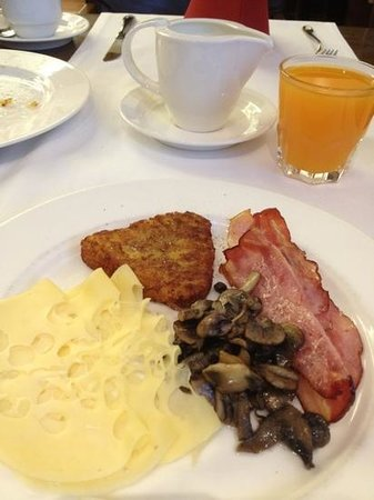 Hotel Don Giovanni:                   Breakfast Buffet