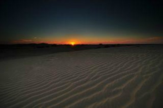 Hotel Pleasant Haveli:                   Sunset at the dunes during safari