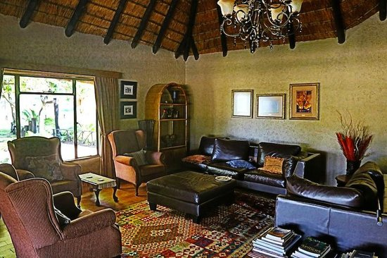 Umkumbe Safari Lodge:                   Lobby