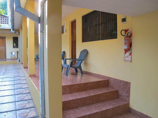 Residencial Lilian:                   Entree kamers