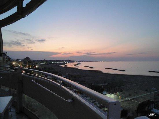 Park Hotel Cattolica:                                     tramonto dal Park HOTEL