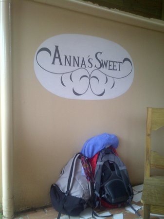 Anna's Sweet:                                     Sign