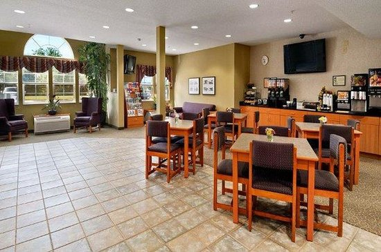 Stay Beyond Inn & Suites: Interior