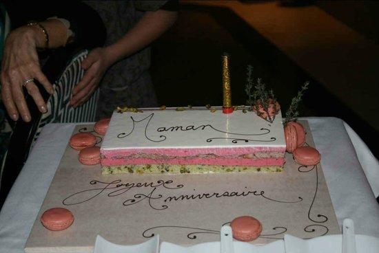 Grand Hotel des Flamants Roses: Gateau d'anniversaire
