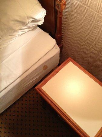 Comwell Soro Storkro:                   plet vedsiden af sengen WTF??