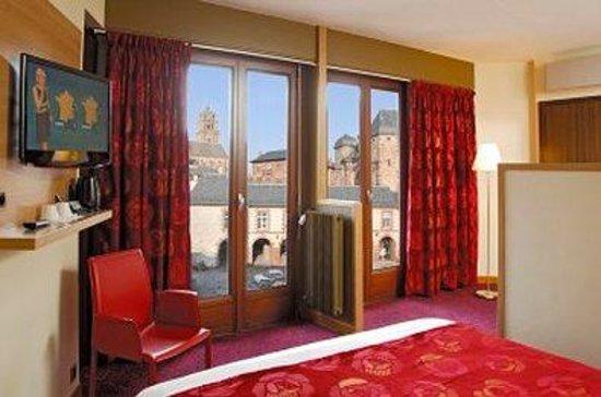 Hotel de la Tour Maje : Suite