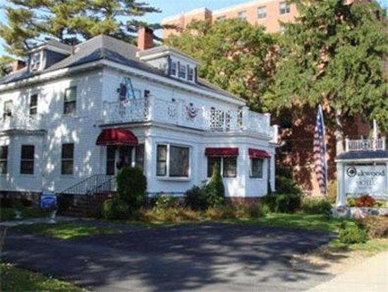 Oakwood Inn Town Motel : Property