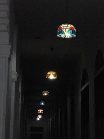Islazul Hotel Plaza:                   Tiffany lights at Hotel Plaza Camaguey