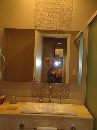 Gran Hotel Tourbillon:                   -