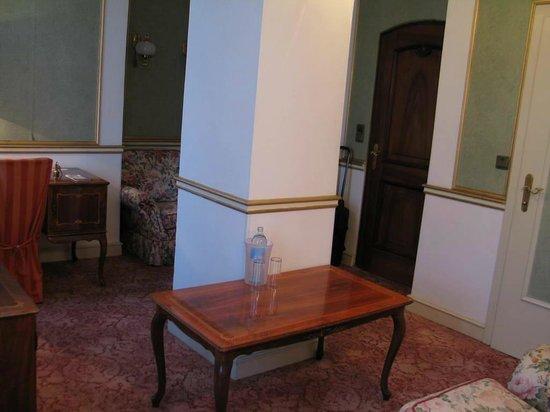 Altwienerhof: Room