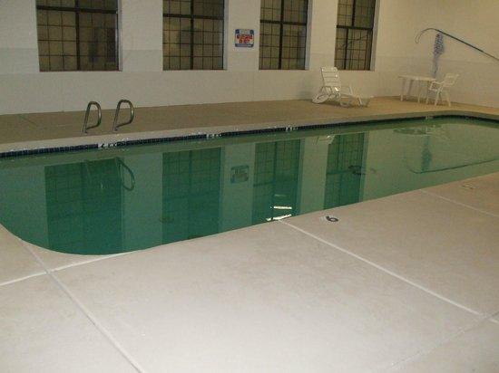 موتيل 6 ويليامز ويست - جراند كانيون:                   Indoor pool                 