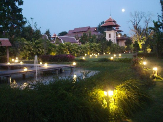 Siripanna Villa Resort & Spa:                   Hotel and grounds