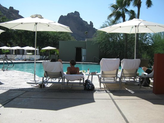 Sanctuary Camelback Mountain: Main pool