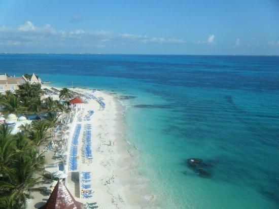 Hotel Riu Cancun:                   veiw from balcony