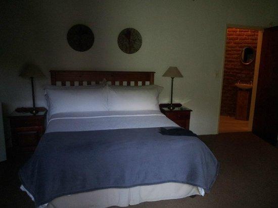 Valley View Lodge:                   Bett im 1. Zimmer