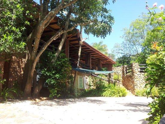 Valley View Lodge:                   Blick auf die Terrasse