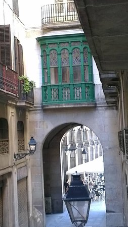 Hotel Barcelona House:                   View from our window to Placa Reial