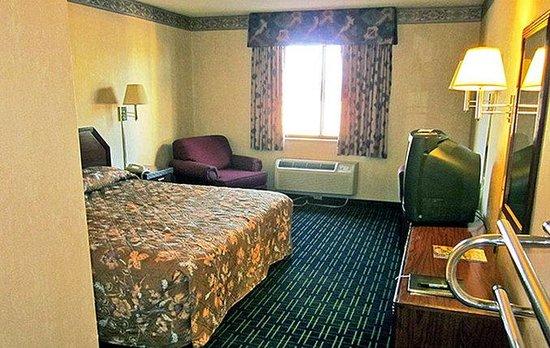 Motel 6 Santa Fe Central: Single