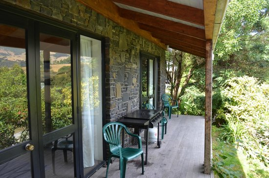 Akaroa Cottages - Heritage Boutique Collection:                   Veranda