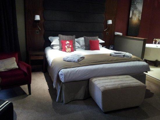 ذا مير:                                     junior suite with free standing bath                      