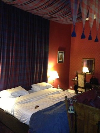 Dalhousie Castle:                   themed rooms