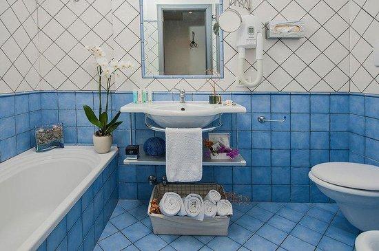 Positano Art Hotel Pasitea: Bathroom