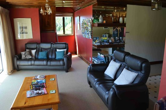 Oak Lodge Homestay:                   guest longe