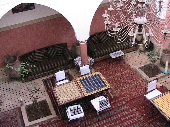 riad losra :                   ontmoeting/ontbijt/dinerruimte