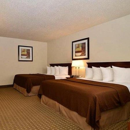 Magnuson Hotel Adobe Holbrook Queen Bed